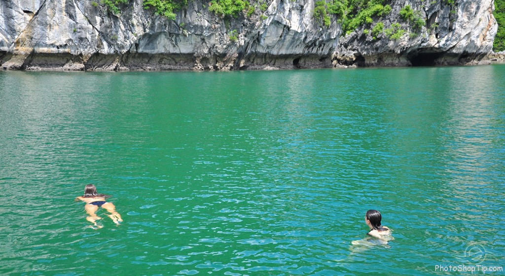 Swimming in halongbay